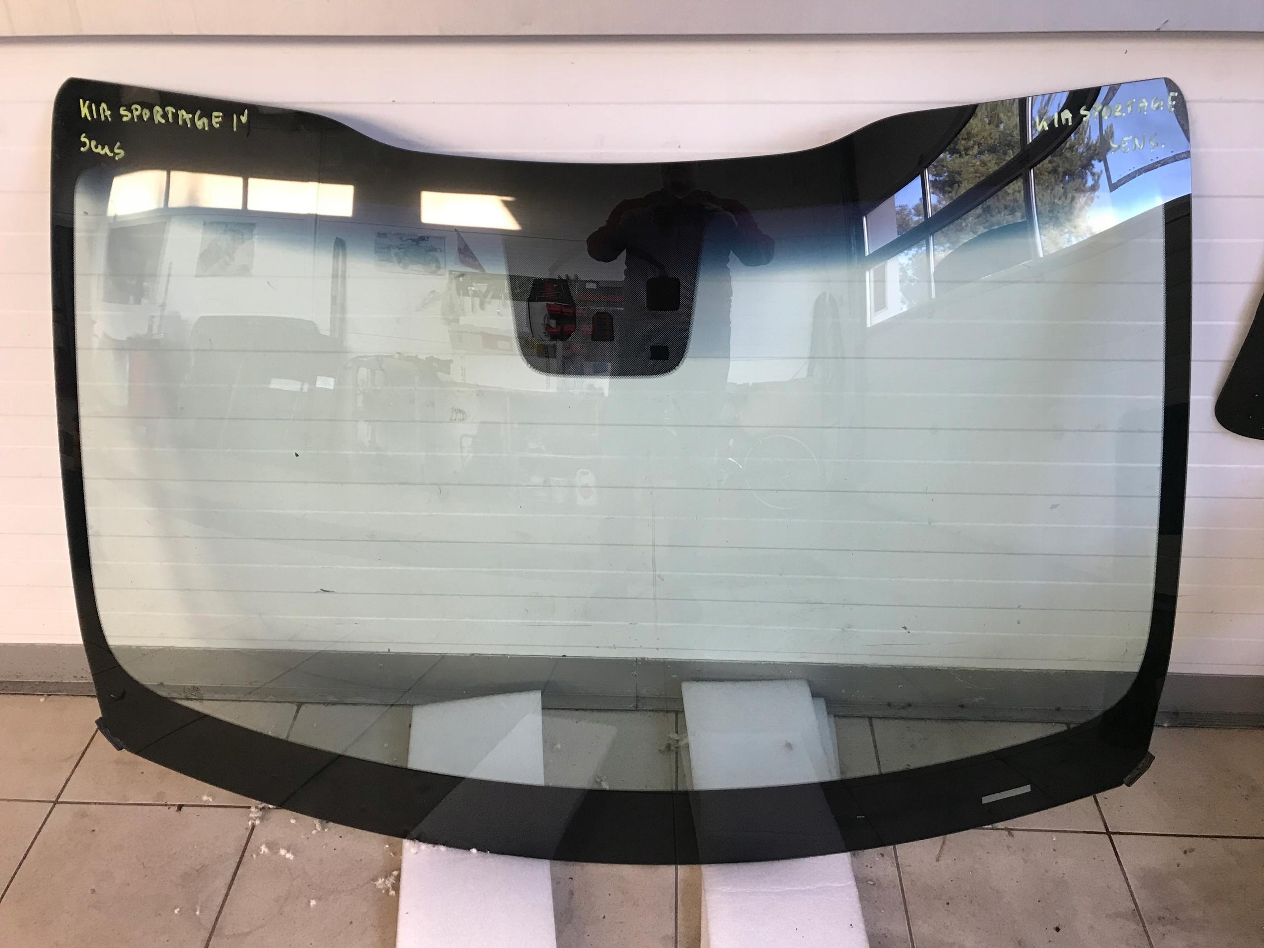 Лобовое стекло Kia Sportage 3