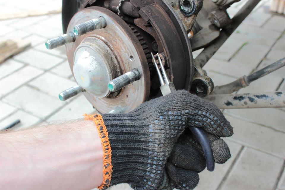 Замена тросов ручника Kia Sportage