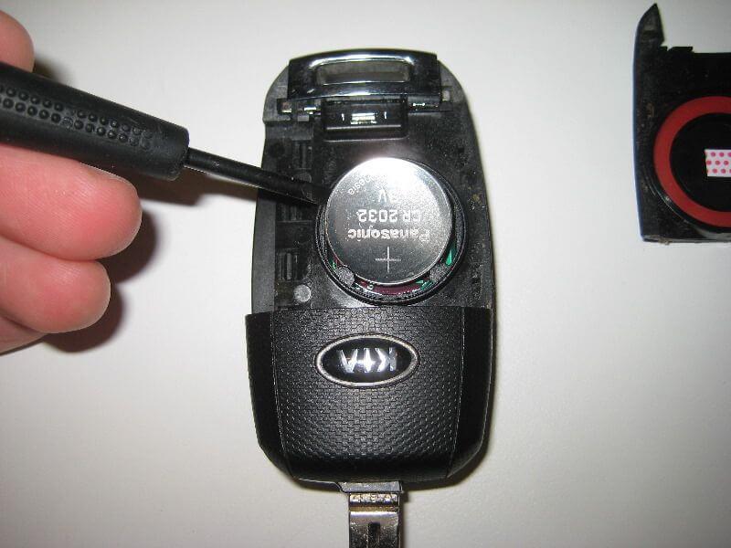 Замена батарейки в ключе Киа Спортейдж