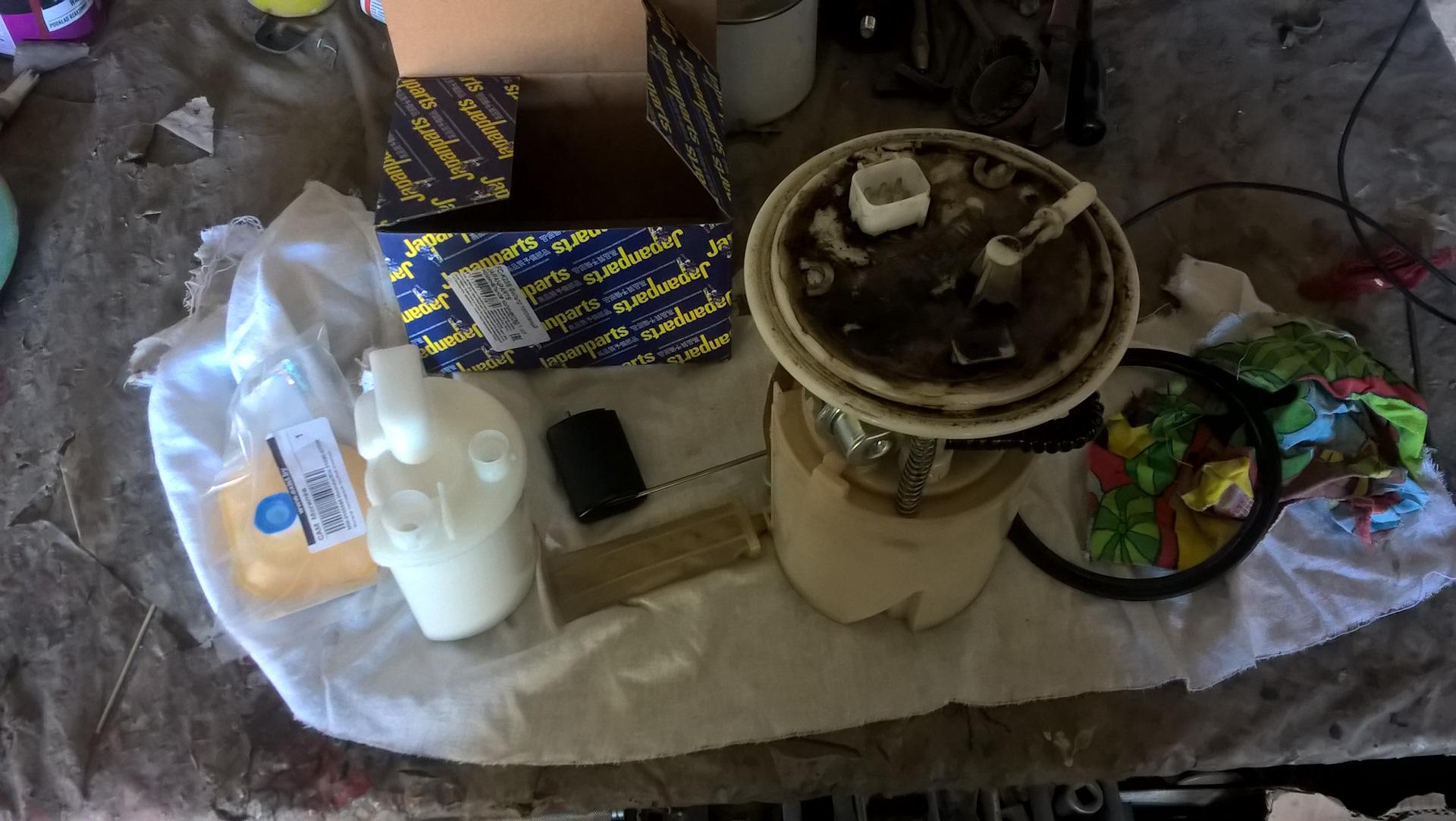 Как поменять топливный фильтр на Киа Сид