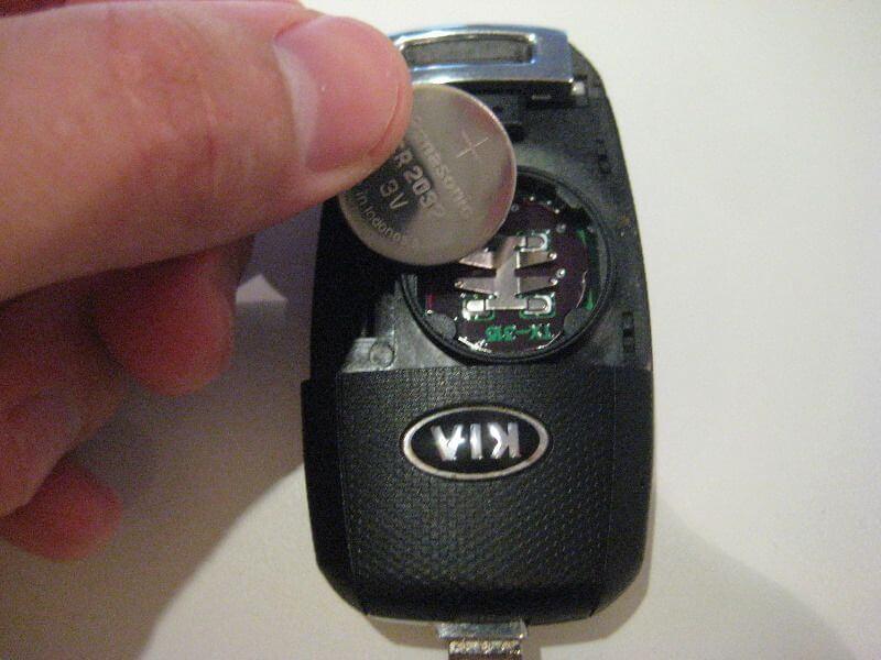 Замена батареи в ключе Kia Soul